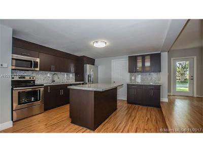 Wilton Manors Single Family Home For Sale: 2732 NE 10 Ter