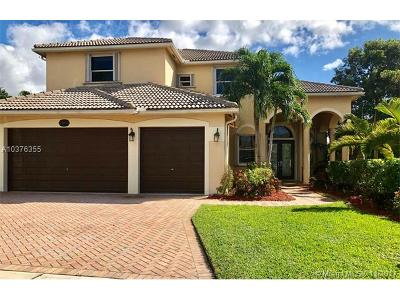 Sunset Lakes, Sunset Lakes Estates, Sunset Lakes One 164-34 B, Sunset Lakes Parcel D At, Sunset Lakes Plat One, Sunset Lakes Plat Three, Sunset Lakes Plat Three 1, Sunset Lakes Three, Sunset Lakes Two 166-24 B Single Family Home For Sale: 3005 SW 189