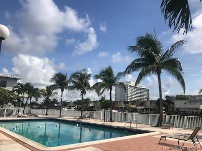 Miami Beach Condo For Sale: 7207 Bay Dr #8