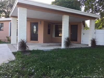 Pompano Beach Single Family Home For Sale: 1073 S Cypress