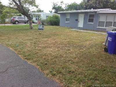 Pompano Beach Single Family Home For Sale: 711 NE 3rd Ter