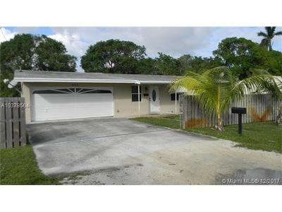 Oakland Park Single Family Home For Sale: 645 NE 32nd St