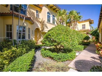 Coral Gables Condo For Sale: 4865 Ponce De Leon Blvd #B