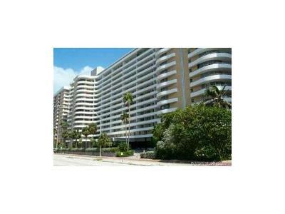 Miami Beach Condo For Sale: 5555 Collins Ave #15V