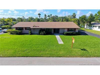 Palmetto Bay Single Family Home For Sale: 14180 SW 78 Ave
