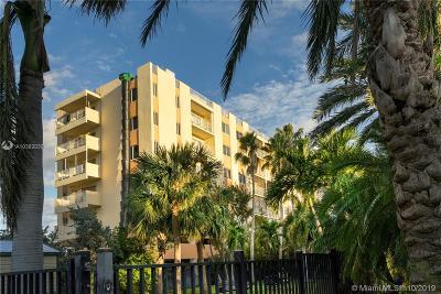Sunny Isles Beach Condo For Sale: 200 178th Dr #312