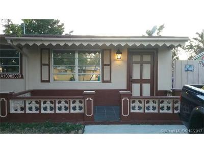Hollywood Single Family Home For Sale: 1140 N 70th Ter