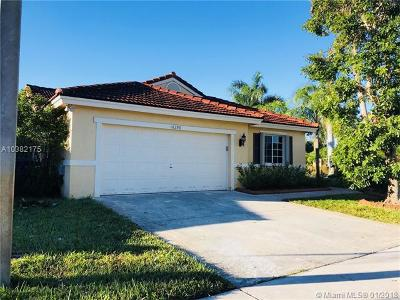 Broward County Single Family Home For Sale: 16398 SW 4th St