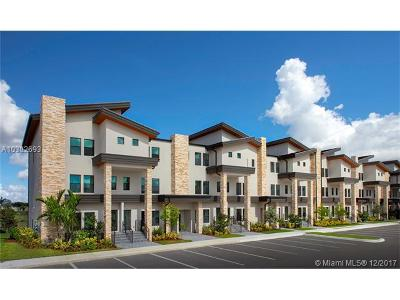 Doral Condo For Sale: 10455 NW 82nd Street #10
