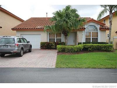 Doral Single Family Home For Sale: 10558 NW 51st St