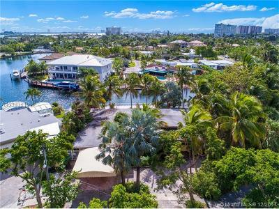 North Miami Single Family Home For Sale: 12900 Ixora Circle