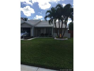 Palm Beach County Single Family Home For Sale: 6068 Strawberry Fields Way