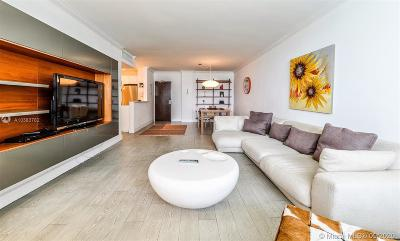 Flamingo, Flamingo South Beach, Flamingo South Beach Co., Flamingo Condo, Flamingo South Beach Cond, Flamingo South Beach I, Flamingo South Beach I Co Rental For Rent: 1500 Bay Rd #1028S