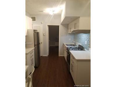 Miami Beach Condo For Sale: 1555 Pennsylvania Ave #203