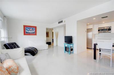 Miami Beach Condo For Sale: 1390 Ocean Dr #504
