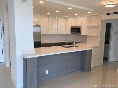 Sunny Isles Beach Condo For Sale: 100 Bayview Dr #717