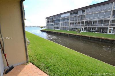 Palm Beach County Condo For Sale: 896 N Federal Hwy #128