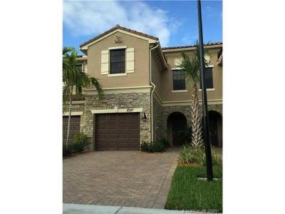 Palm Beach County Condo For Sale: 10127 Wellington Parc Dr #10127