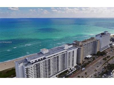 Miami Beach Condo For Sale: 5601 Collins Ave #M1