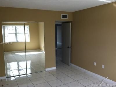 Sunny Isles Beach Condo For Sale: 400 Kings Point Dr #1520