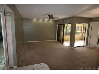 Pembroke Pines Condo For Sale: 1188 N Hiatus Rd #1188