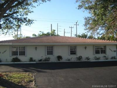 Palm Beach County Multi Family Home For Sale: 2267 NE 2nd Ave