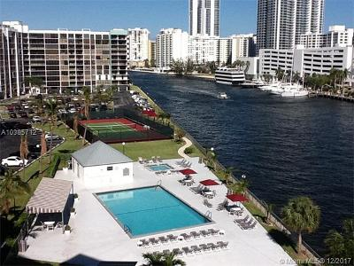 Broward County Condo For Sale: 200 Leslie Dr #721