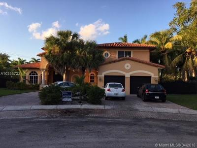 Miami Single Family Home For Sale: 8123 NW 158th Ter