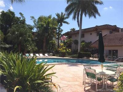 Miami Condo For Sale: 9356 SW 77 Ave #J6