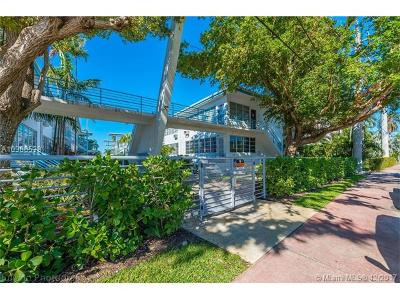 Miami-Dade County Condo For Sale: 4710 Pine Tree Dr #21