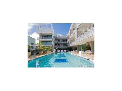 Miami Beach Condo For Sale: 1437 NE Collins Ave #206