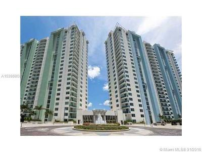 Broward County Condo For Sale: 2681 N Flamingo Rd #2005S
