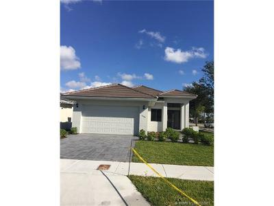 Miami Single Family Home For Sale: 1585 SW 90th Ave