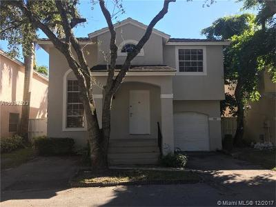 Plantation Single Family Home For Sale: 9810 NW 2nd Ct