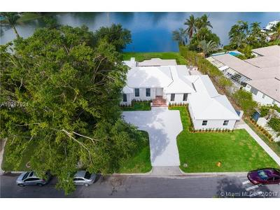 Miami Single Family Home For Sale: 4425 Island Rd