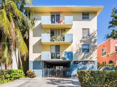 Miami Beach Condo For Sale: 915 Jefferson Ave #4B