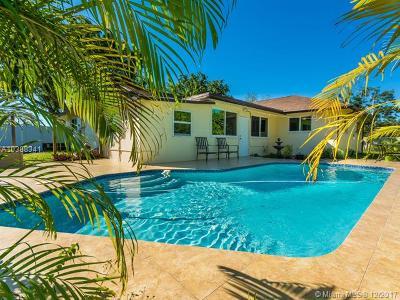 Plantation Single Family Home For Sale: 5661 SW 1st St