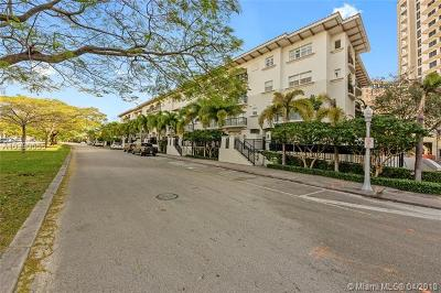 Coral Gables Condo For Sale: 50 Alhambra Cir #303
