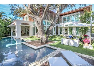 Key Biscayne Single Family Home For Sale: 300 W Enid Dr