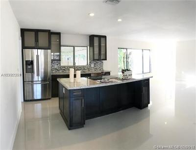 Pompano Beach Single Family Home For Sale: 640 S Cypress Rd