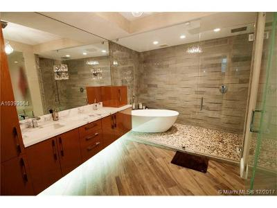 Miami Condo For Sale: 808 Brickell Key Dr #2302