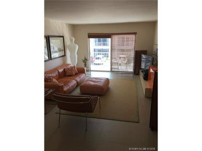 Fort Lauderdale Condo For Sale: 6493 Bay Club Dr #3