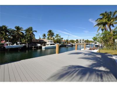 North Miami Single Family Home For Sale: 13050 Arch Creek Ter