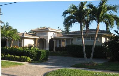 North Miami Single Family Home For Sale: 2270 Bayview Ln