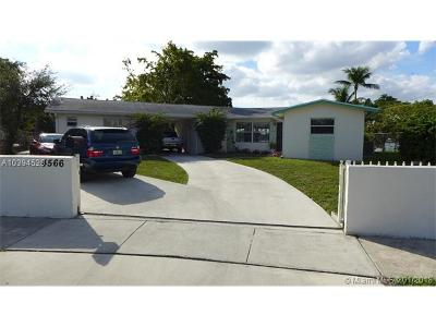Hialeah Single Family Home For Sale: 4566 W 6 Ave
