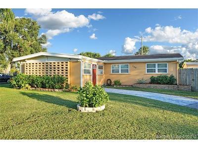 Royal Palm Beach Single Family Home For Sale: 760 Royal Palm Beach Blvd