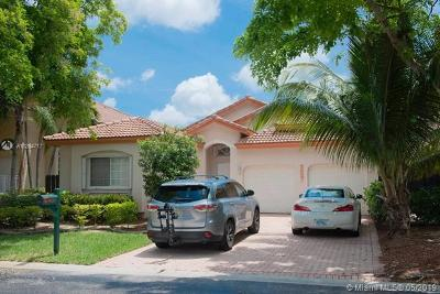 Doral Single Family Home For Sale: 5837 NW 108th Pl