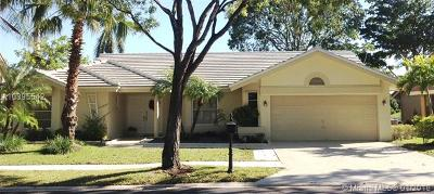Weston Single Family Home For Sale: 1870 Lakeshore Dr