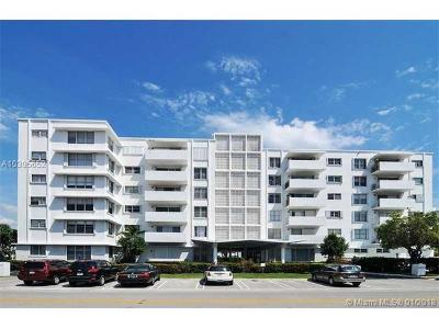 Bay Harbor Islands Condo For Sale: 1075 92nd St #502