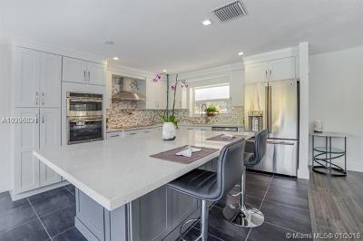 Fort Lauderdale Single Family Home For Sale: 2197 NE 61st Ct